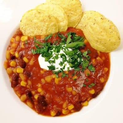 vegansk chili med nachochips