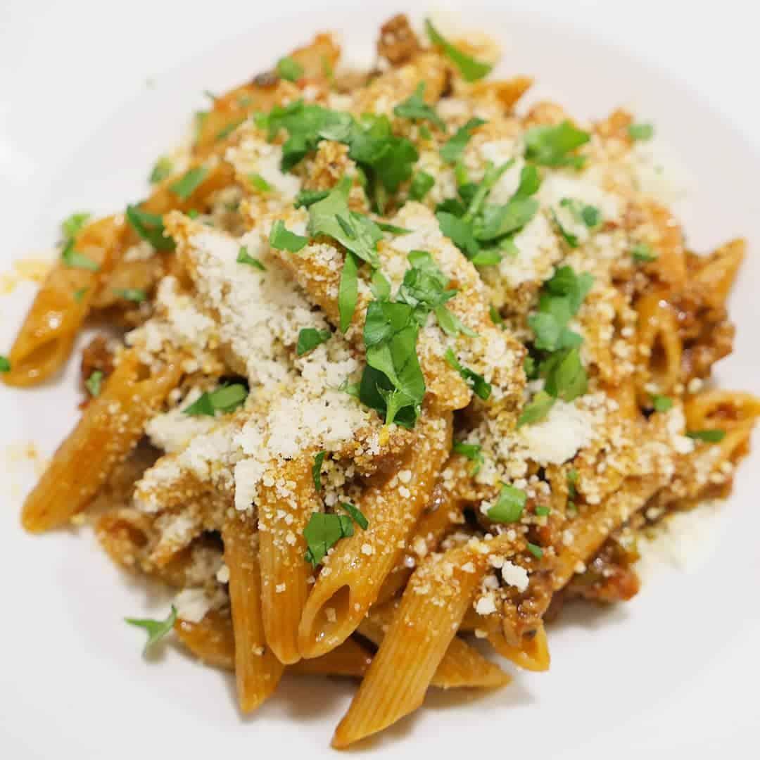 Köttfärssås med penne pasta