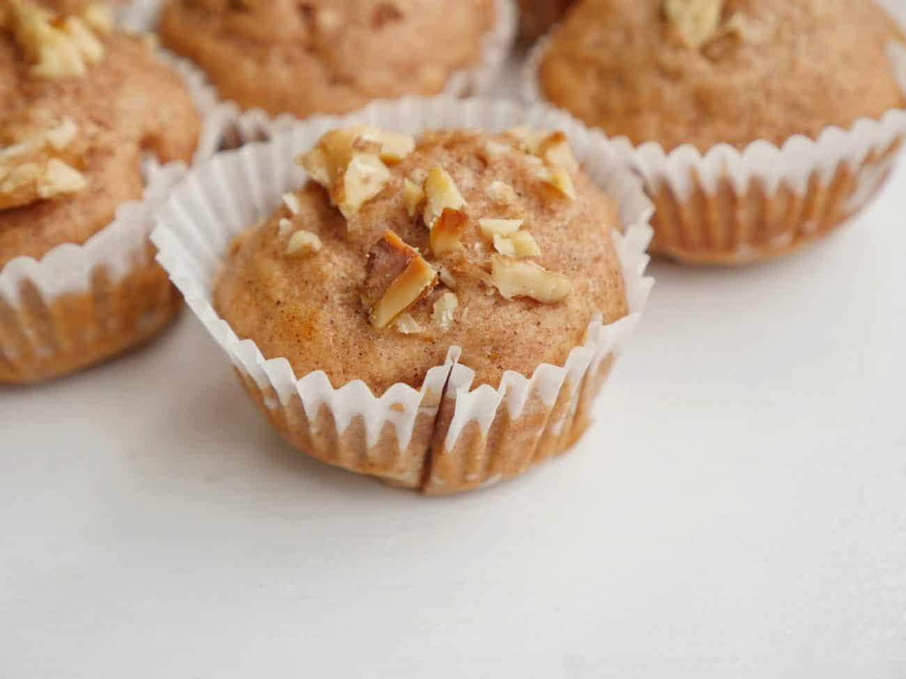 Saftiga äppelmuffins med mindre socker