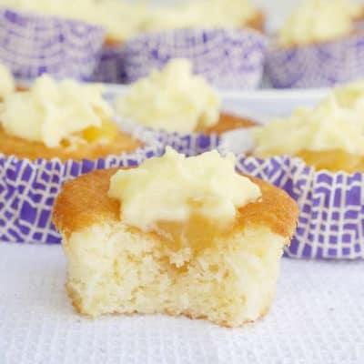 Saftiga citronmuffins med lemoncurd och vit chokladganasche