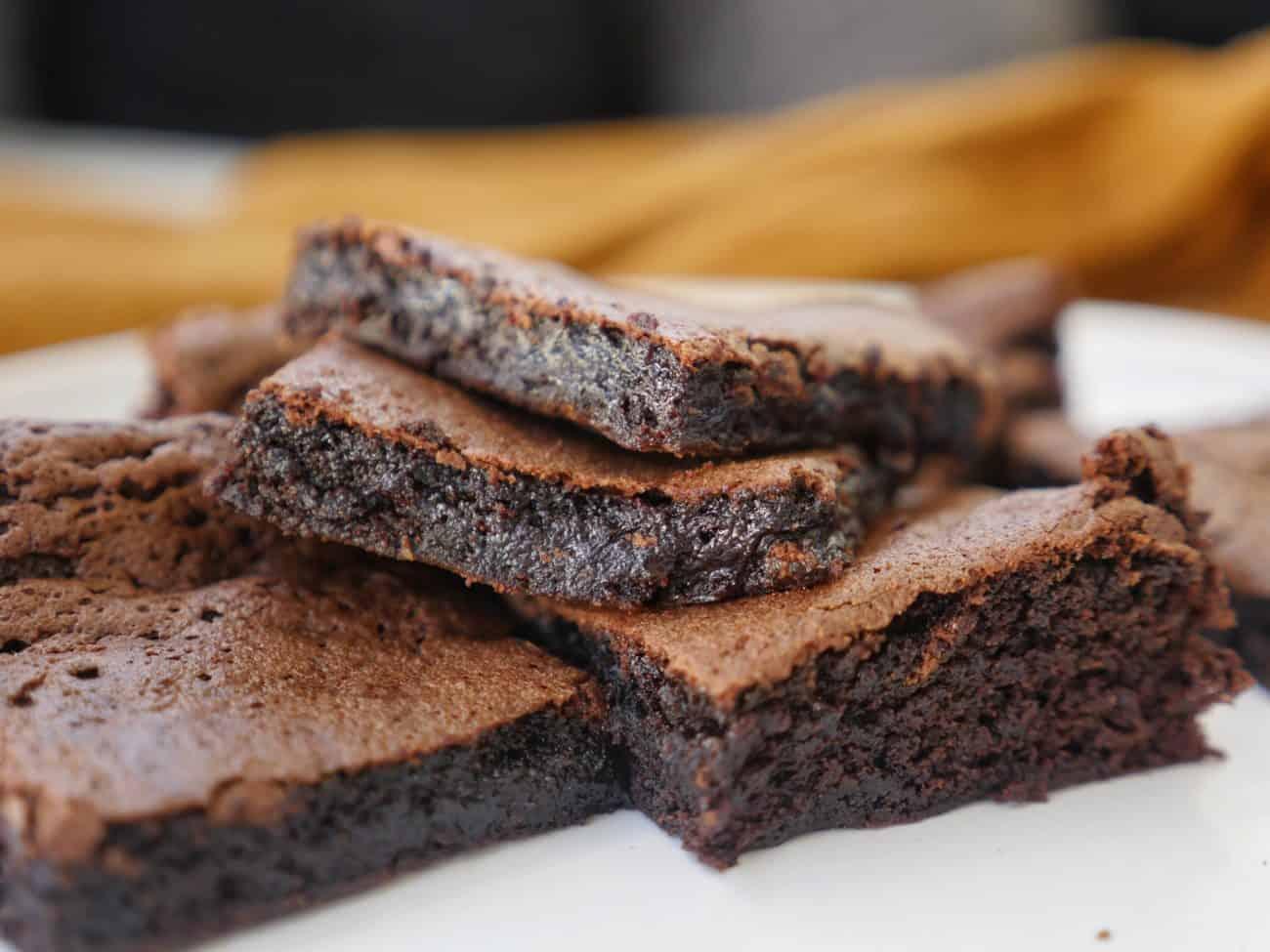 Brownie med brynt smör