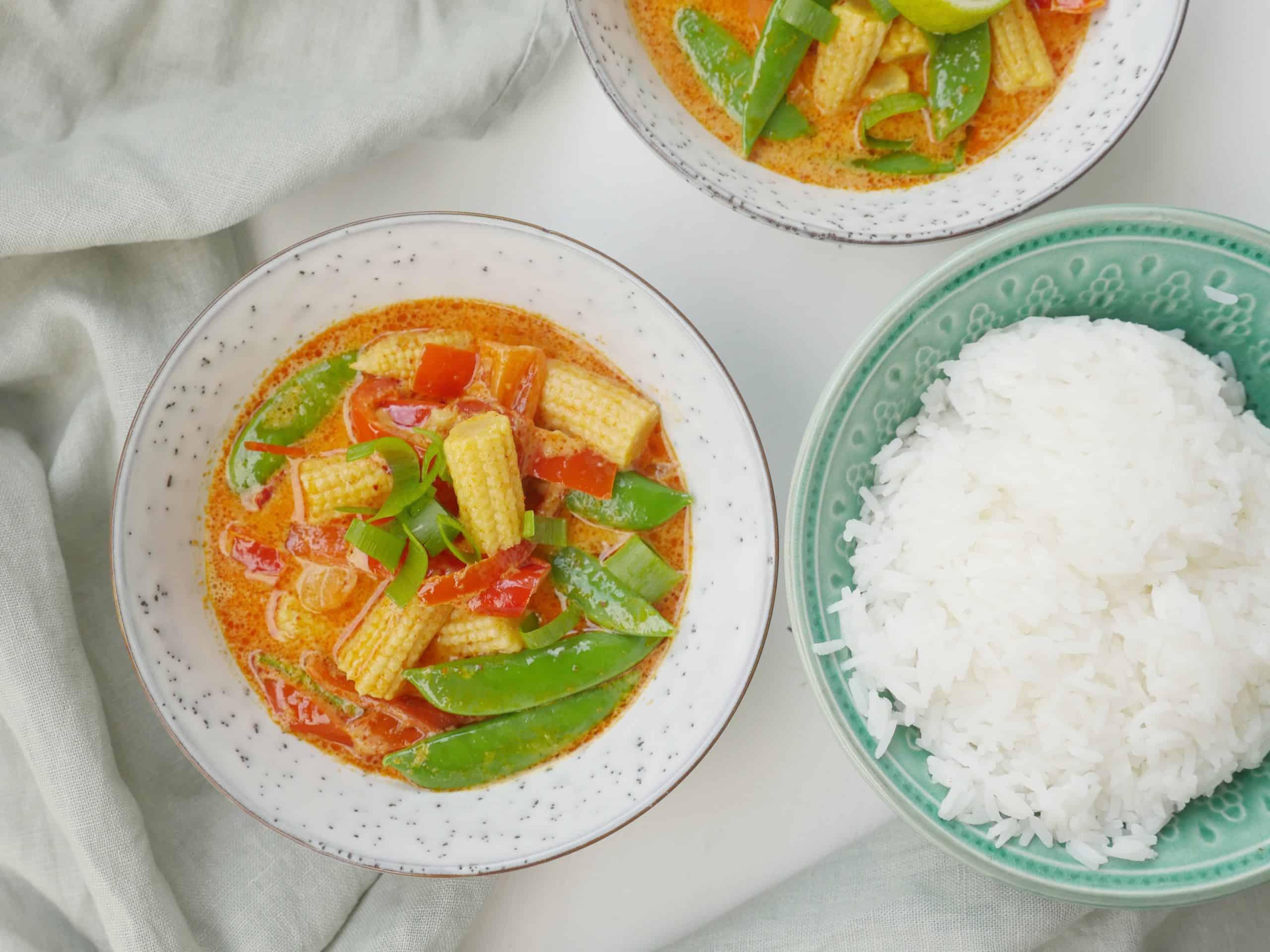 röd curry med grönsaker