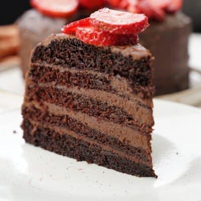 Saftig Chokladtårta med chokladganache - en riktig chokladdröm