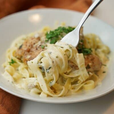 Kyckling i krämig citronsås med pasta