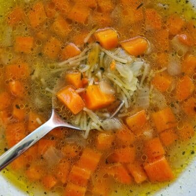 Grönsakssoppa med vermicelli