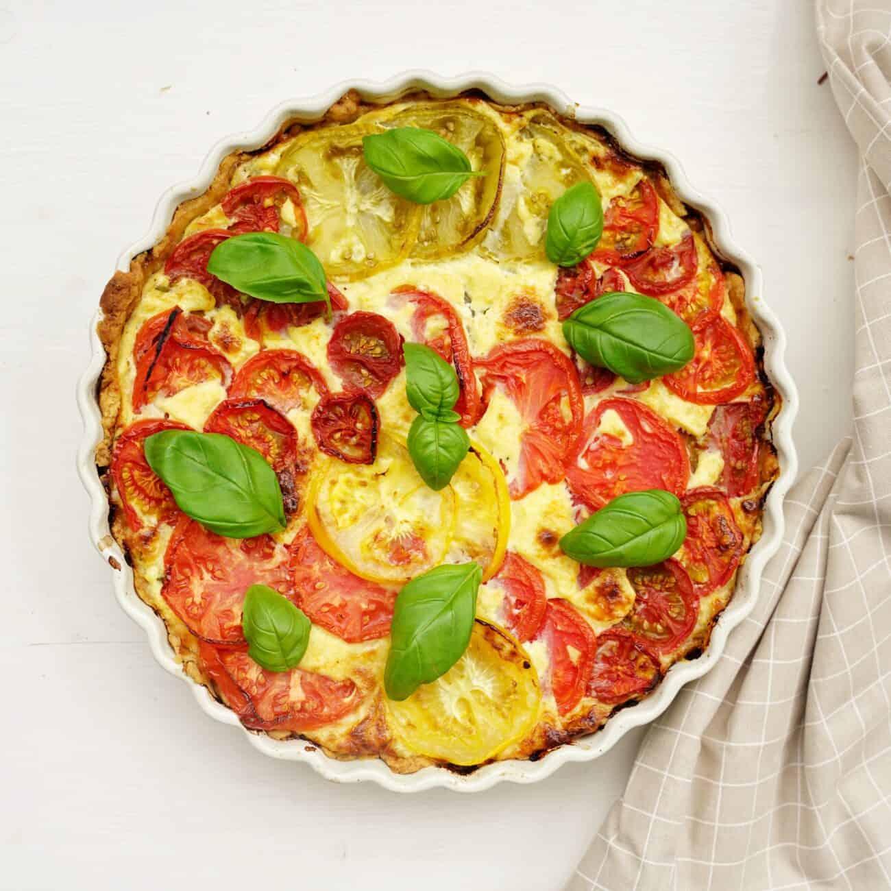 Paj med tomat och ost – matpaj